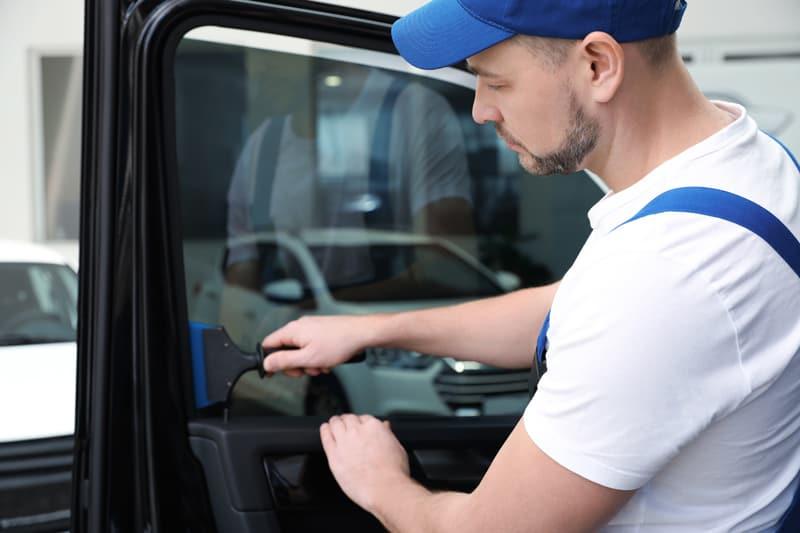 Aplikacja folii przyciemniającej naszyby samochodowe Kielce